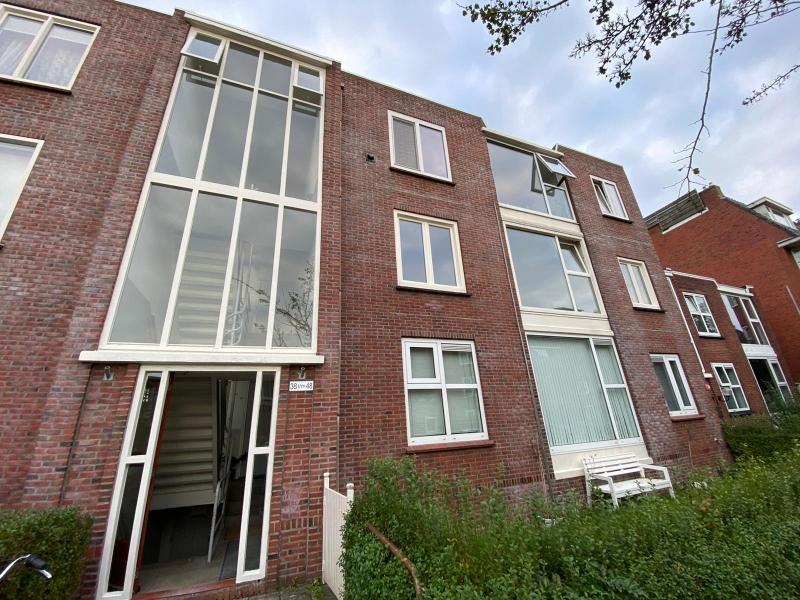 Volledig gerenoveerd appartement in Helpman